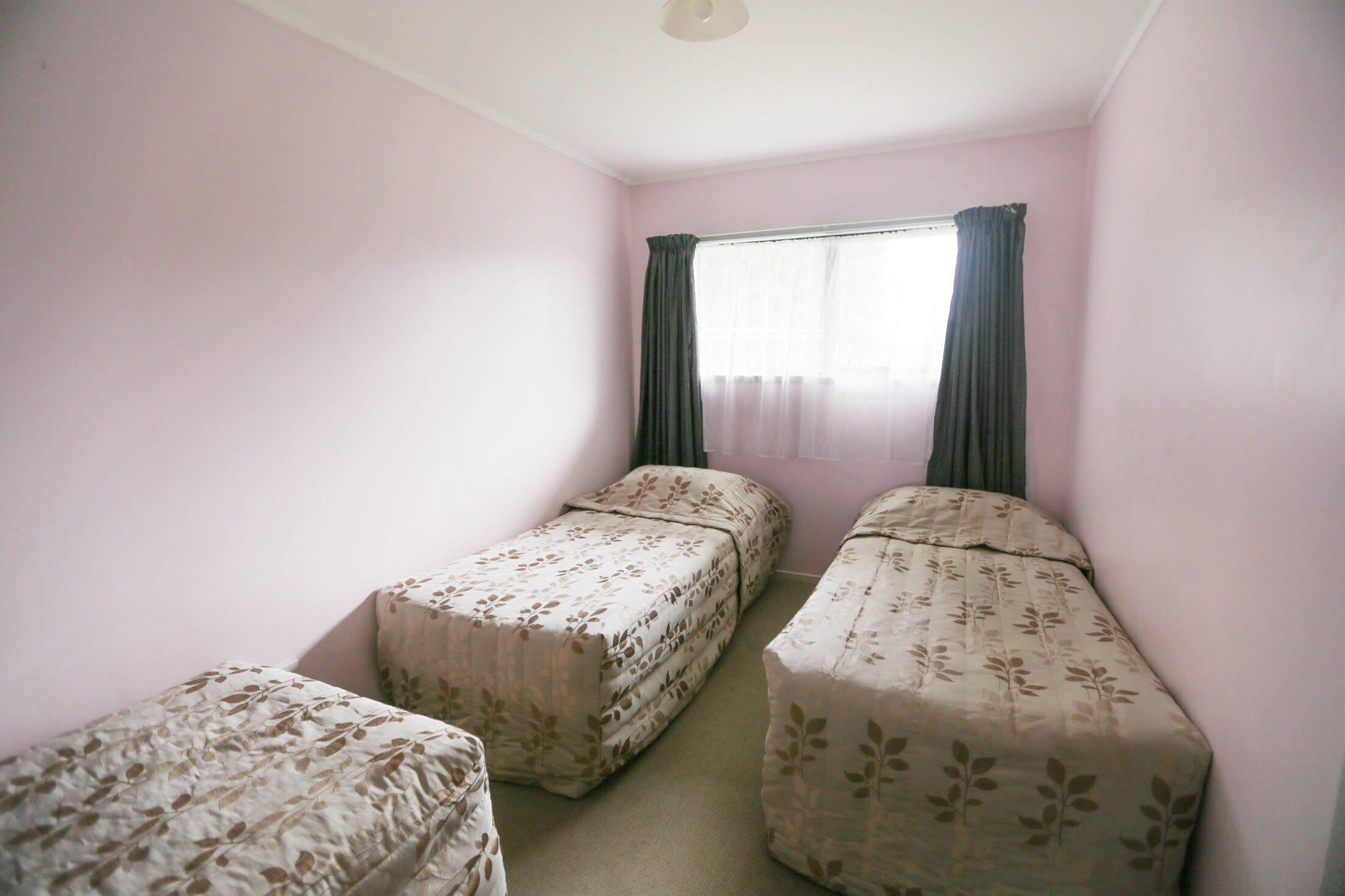 Kaitaia-Motor-Lodge-Room-9-Bedroom-1