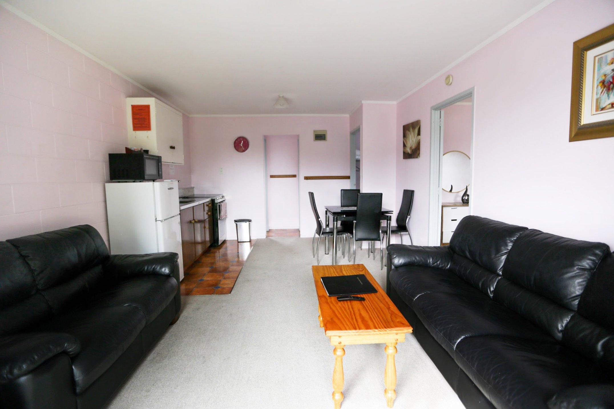 Kaitaia-Motor-Lodge-Room-9-Lounge-Kitchenette